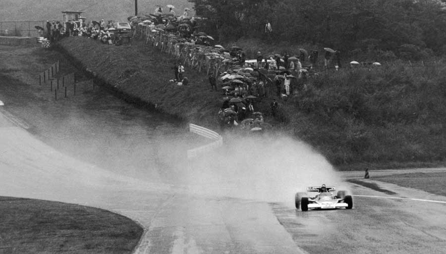 James Hunt leads the field in heavy rain