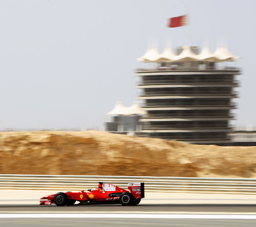 Ferrari, Toyota and BMW tested in Bahrain