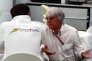 Bernie Ecclestone chats with Adrian Sutil