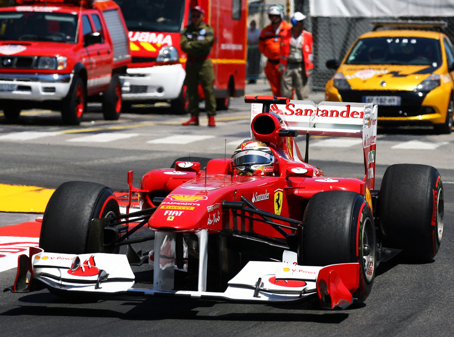 Fernando Alonso attacks the Nouvelle Chicane
