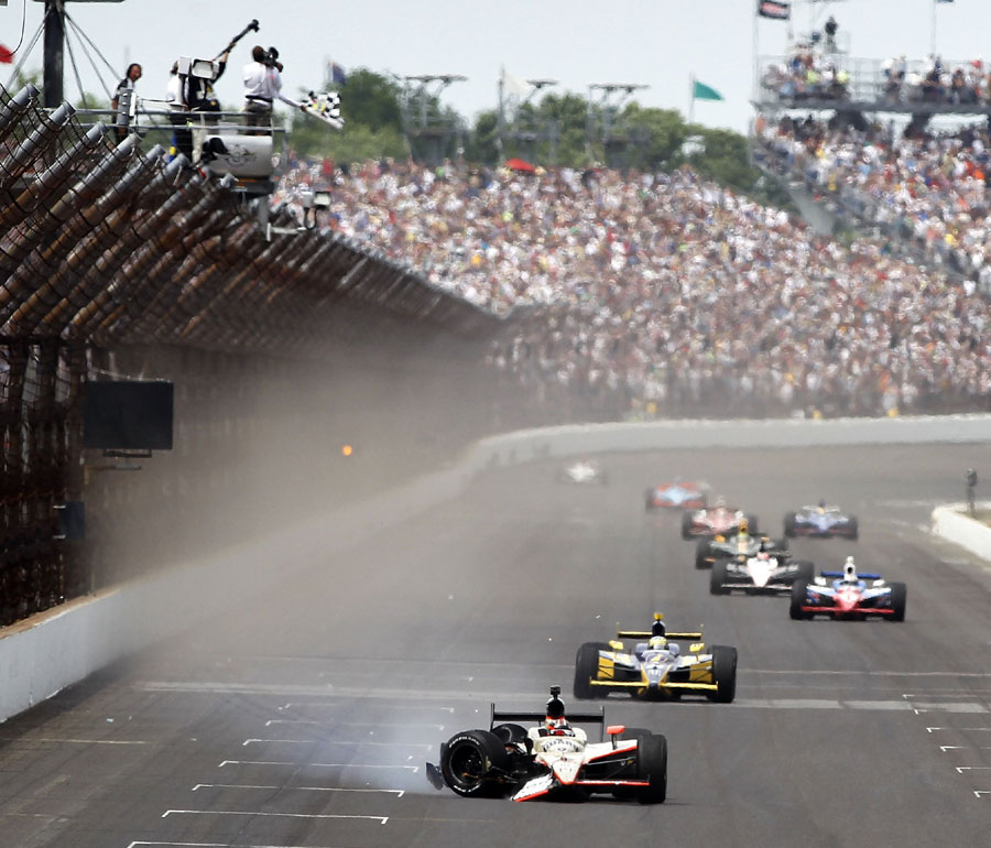 JR Hildebrand finishes second after hitting the wall on the final straight
