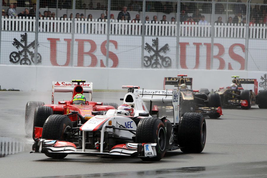 Kamui Kobayashi leads Felipe Massa and the two Renaults