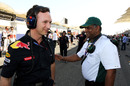 Christian Horner and Tony Fernandes chat on the grid, Bahrain Grand Prix, Bahrain International Circuit, Bahrain, March 14, 2010