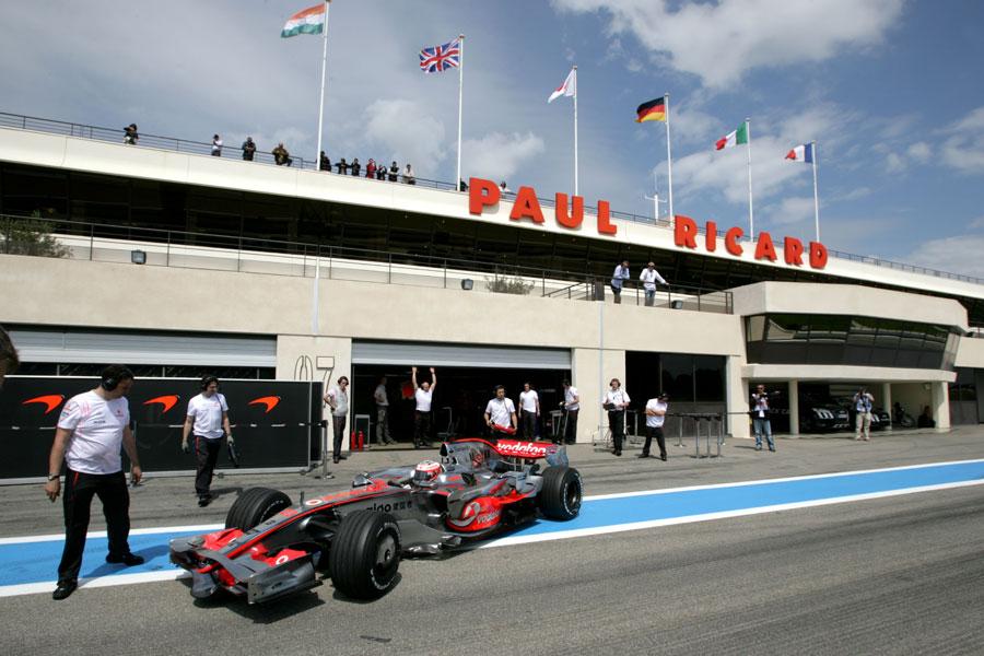 Heikki Kovalainen returns to the pits