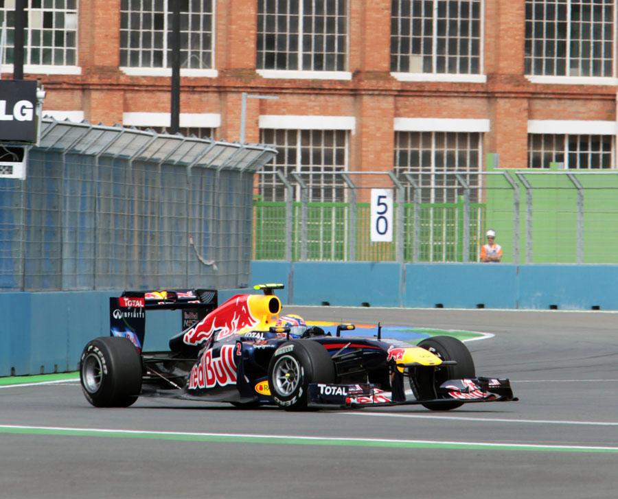 10649 - Webber quickest in first practice