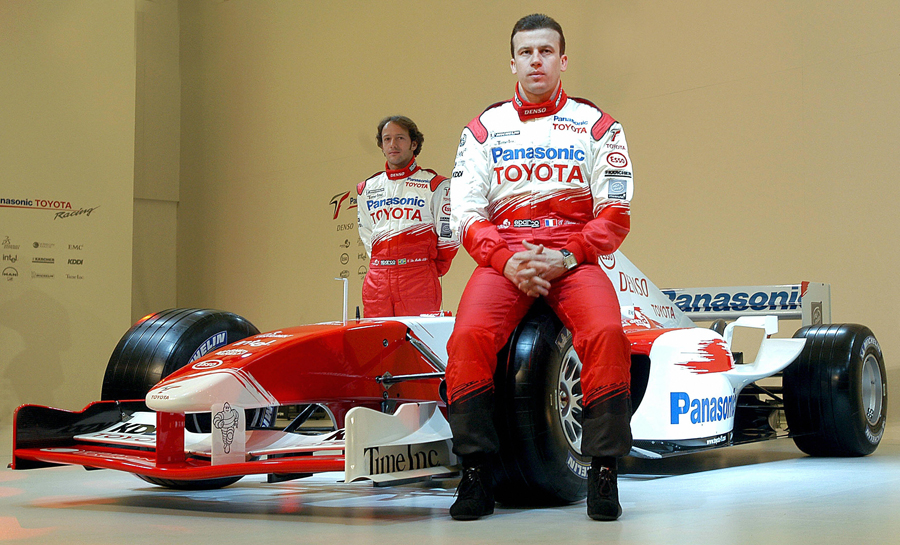 Olivier Panis and team-mate Cristiano da Matta present thei new Toyota TF104