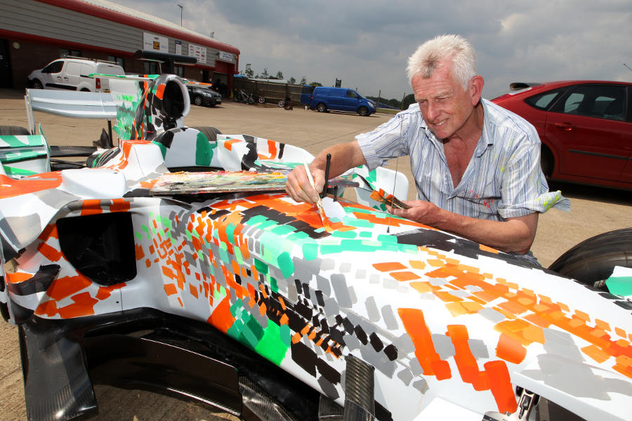 10819 - Force India to auction art car