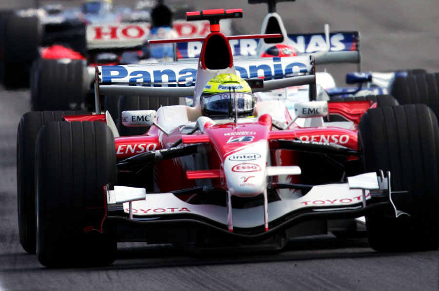 Ralf Schumacher leads Robert Kubica and Jenson Button