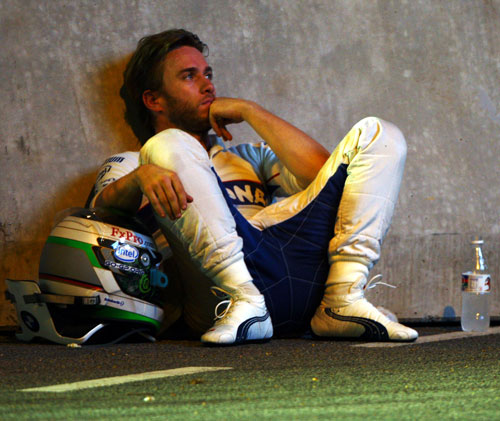 Nick Heidfeld waits for the start of the Singapore Grand Prix