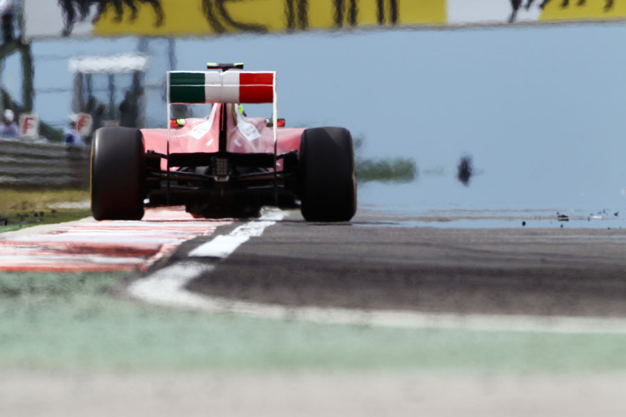 11204 - Tyre degradation is 'significant' - Massa