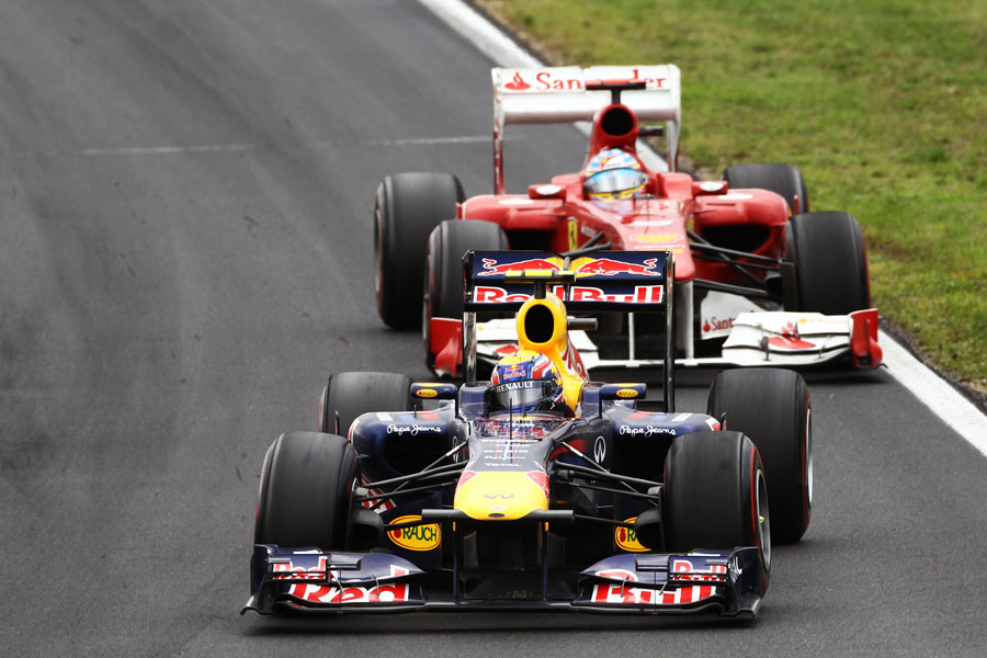 Mark Webber leads Fernando Alonso