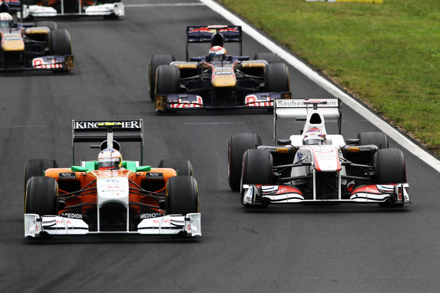 Paul di Resta passes Kamui Kobayashi in to turn one