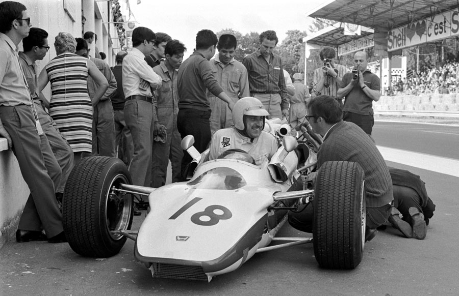 Jo Schlesser in the Honda RA302 that would take his life, he died after crashing on lap three when the magnesium chassis ignited