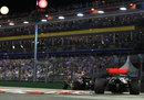 Lewis Hamilton chases down Sebastian Vettel