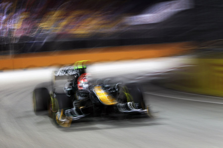 Jarno Trulli at speed in the Lotus
