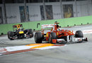 Mark Webber puts pressure on Fernando Alonso