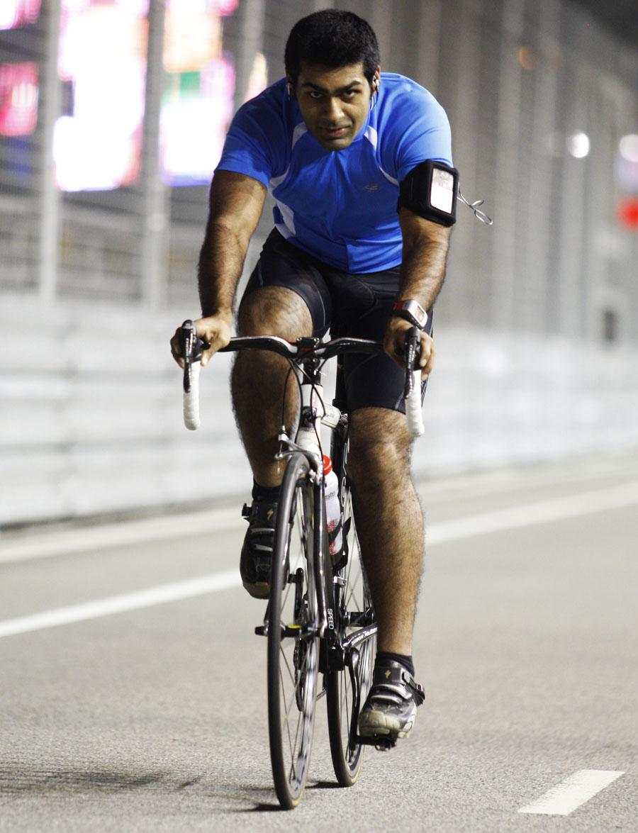 Karun Chandhok cycles the track on Thursday night