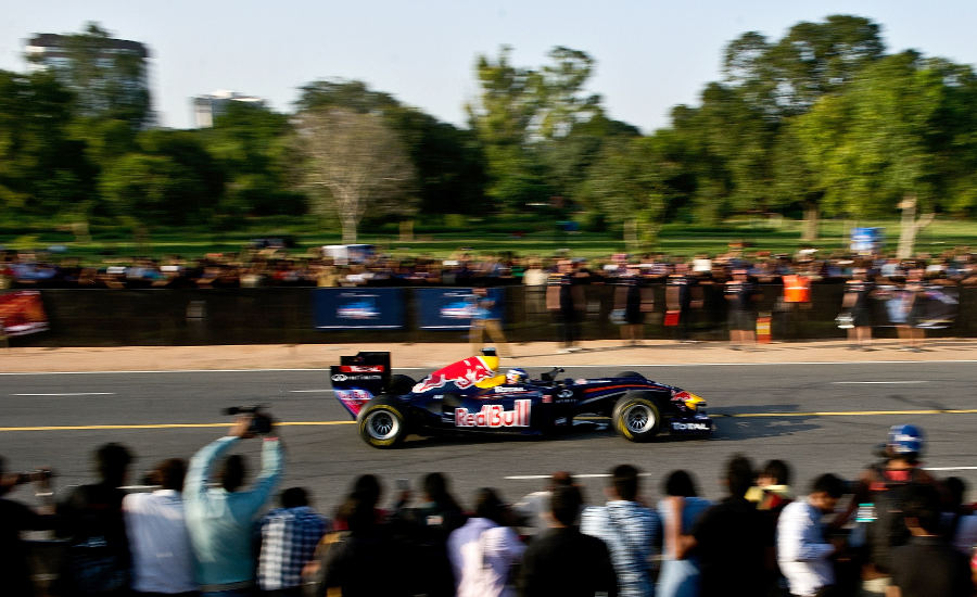 11987 - Red Bull carries out New Delhi run