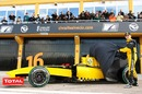 Robert Kubica unveils the new Renault R30