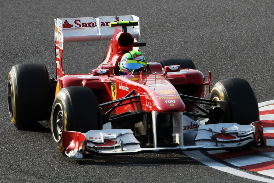 Felipe Massa comes through the second part of the chicane