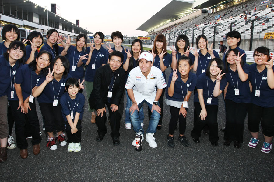 Kamui Kobayashi with the Fukushima girls choir