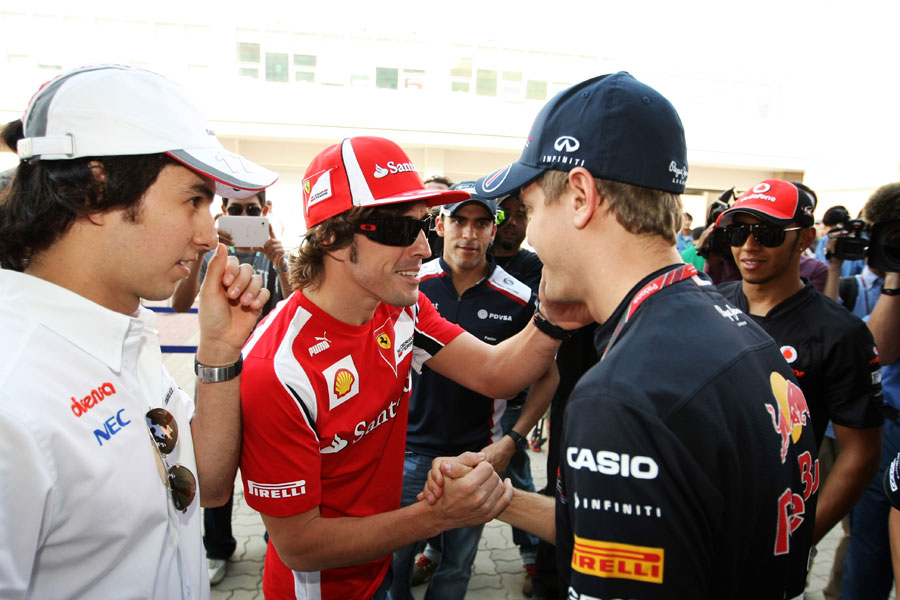 12187 - Alonso targets 'difficult' victories