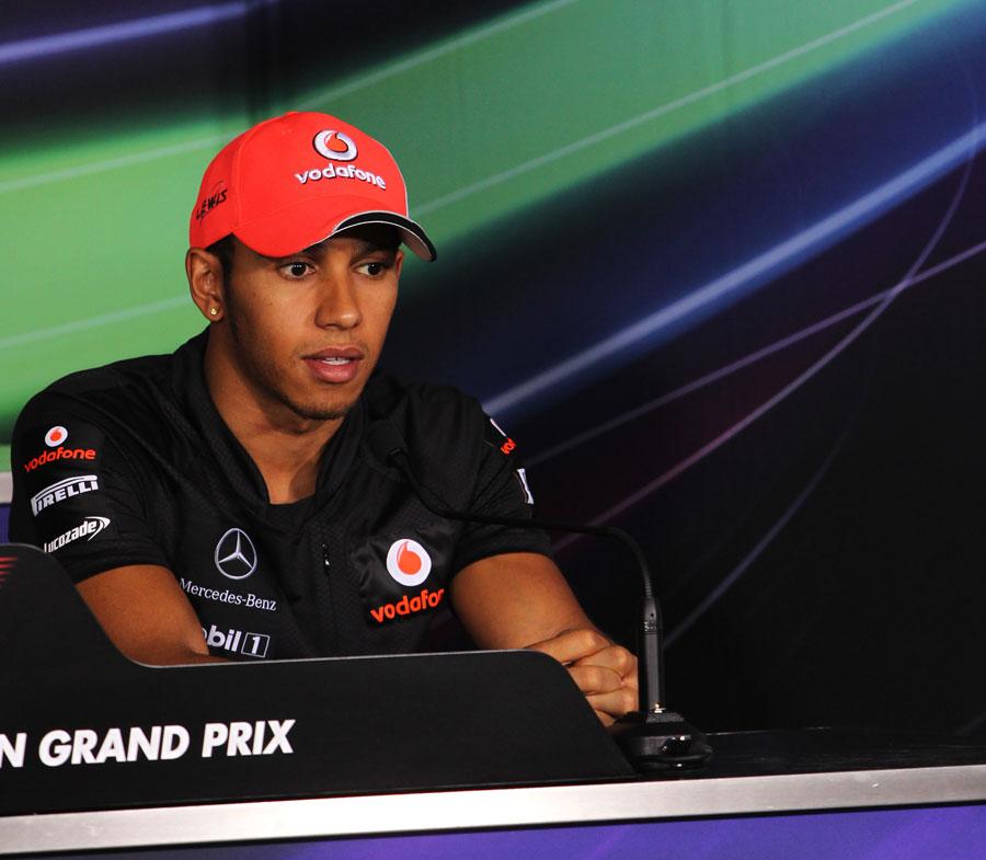 12191 - Hamilton 'cool' with Massa