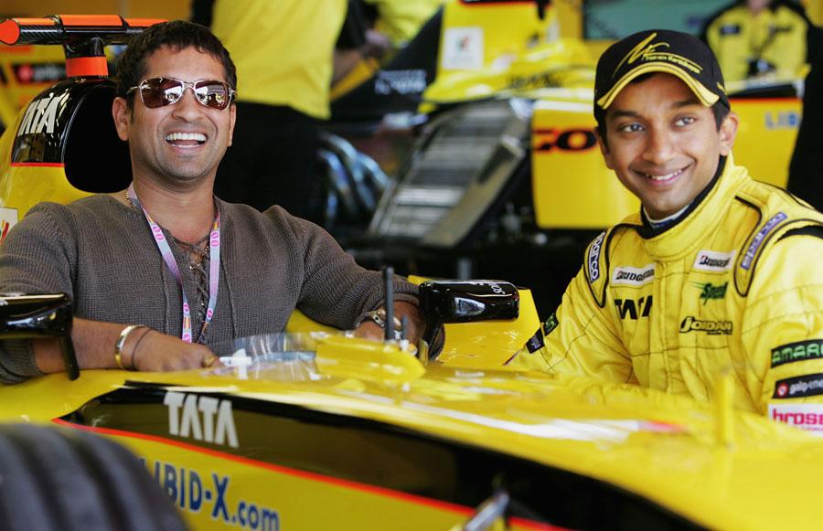 Narain Karthikeyan lets Sachin Tendulkar take a seat in his Jordan