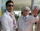 Bernie Ecclestone welcomes Sachin Tendulkar to the Buddh International Circuit