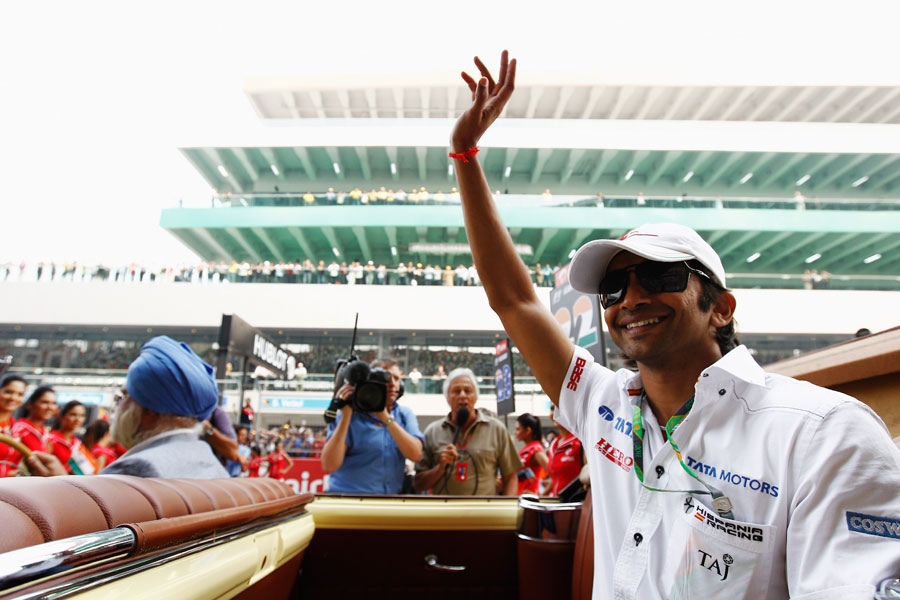 Narain Karthikeyan on the drivers' parade