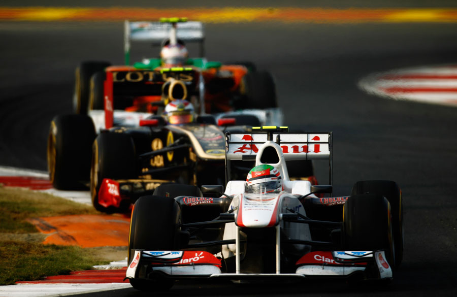 Sergio Perez leads Vitaly Petrov and Paul di Resta