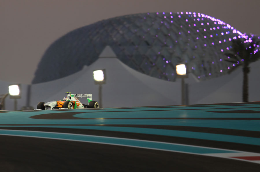 Paul di Resta attacks turn 4 during qualifying