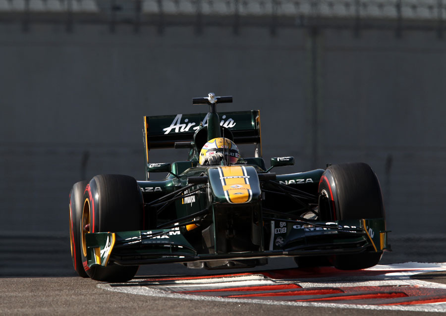 Luiz Razia attacks the kerbs in the Lotus