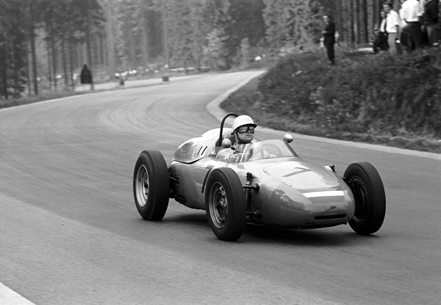 Carel Godin de Beaufort on his way to seventh place in a privately entered Porsche 718
