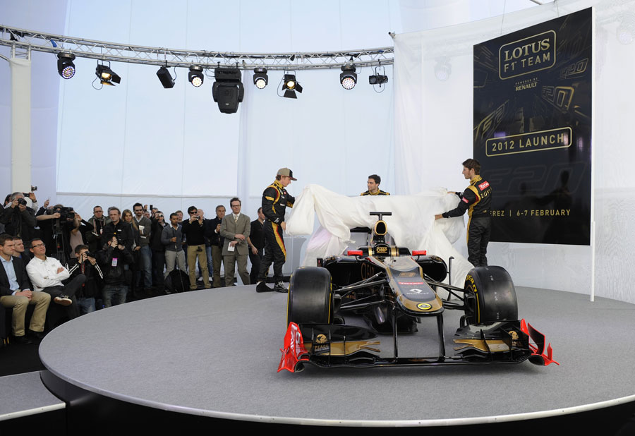 Lotus presents its E20 to the media