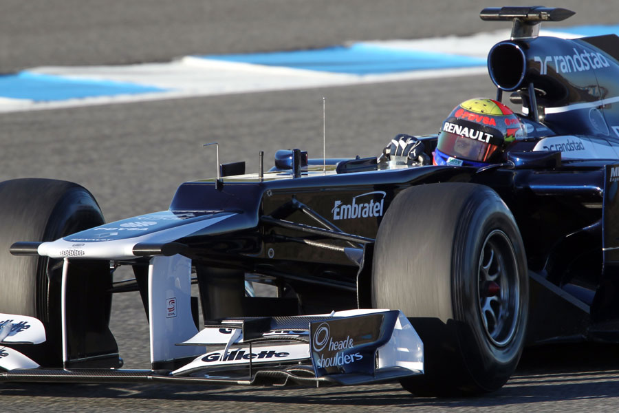Pastor Maldonado focuses on the apex