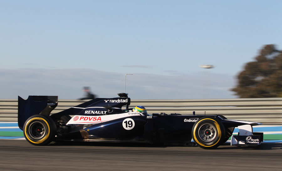 Bruno Senna on a soft tyre run in the FW34