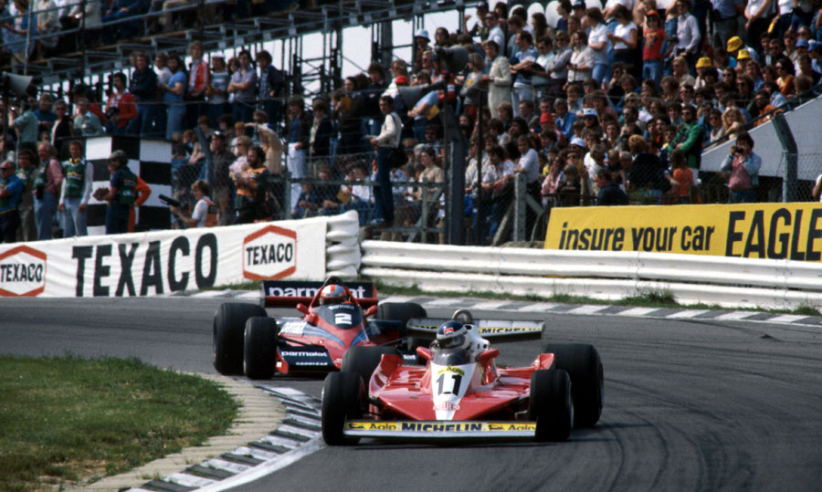 Carlos Reutemann leads John Watson in to Paddock Hill Bend