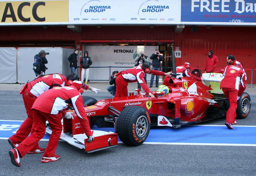 13514 - Ferrari 'definitely better' at this test - Massa