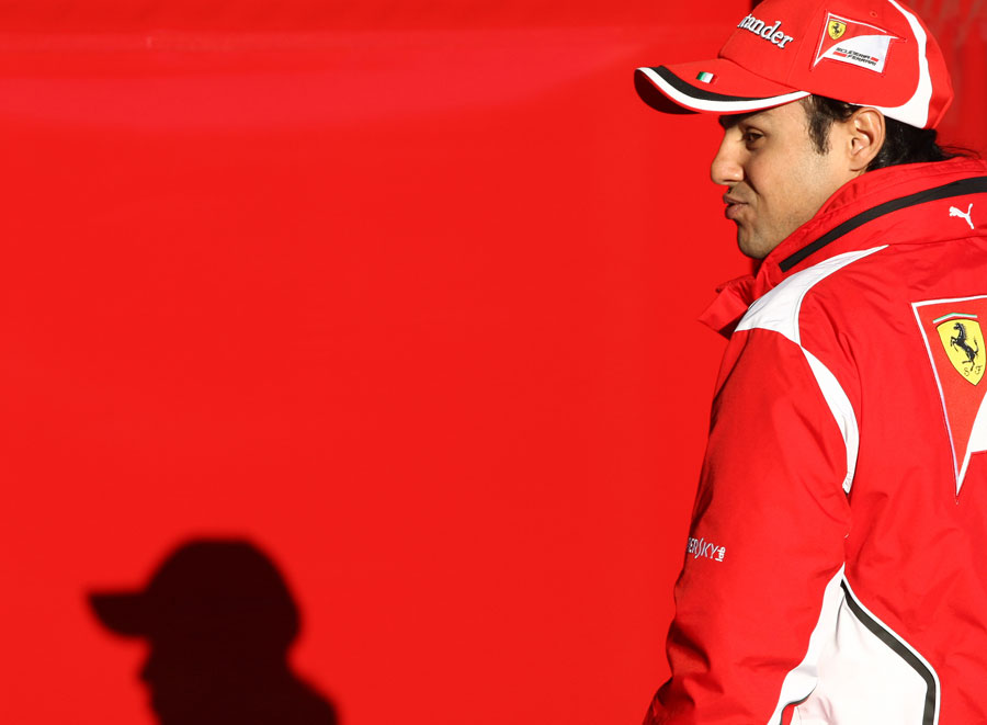 13565 - Massa shrugs off mounting pressure to perform