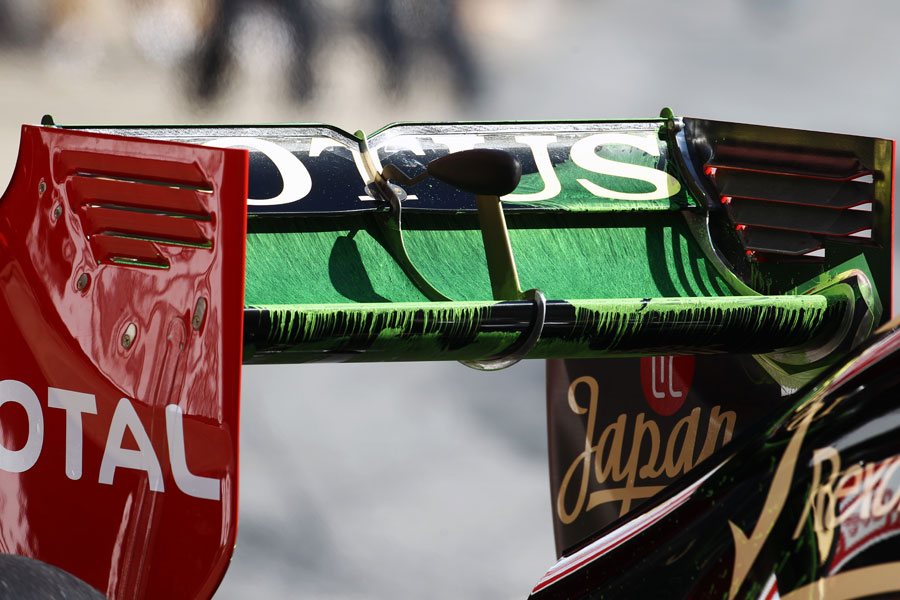 Flo-vis paint on the rear wing of the Lotus E20