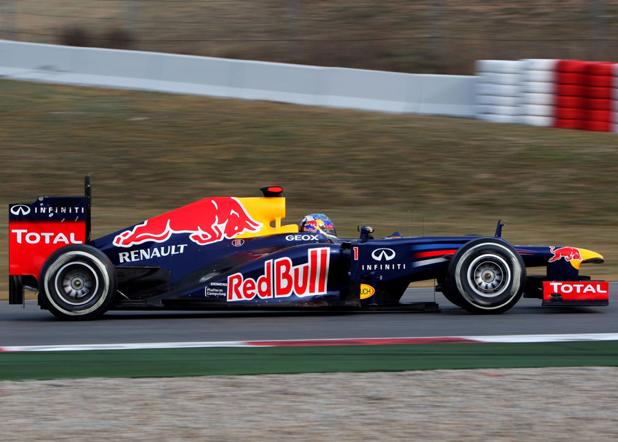 13696 - I'm outright favourite for the title - Vettel
