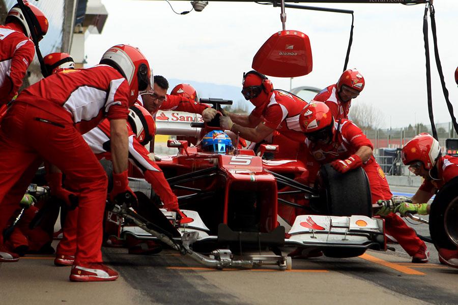 13707 - Ferrari rules out podium fight