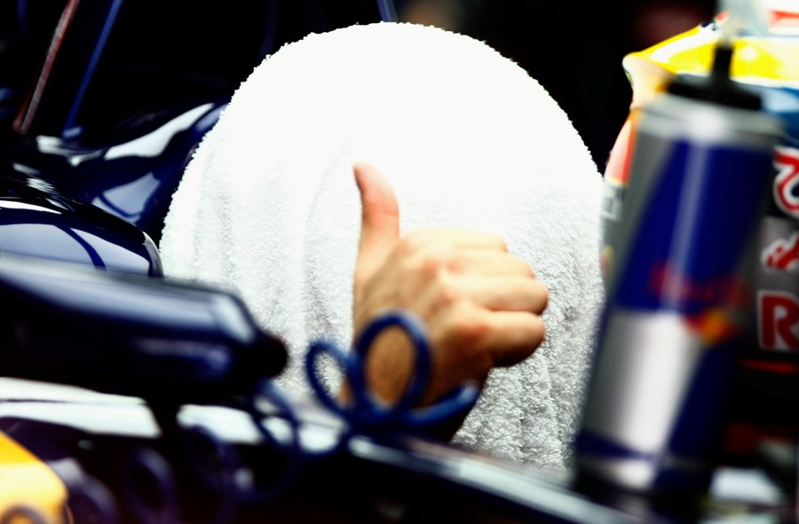 Jean-Eric Vergne tries to keep cool in the Toro Rosso