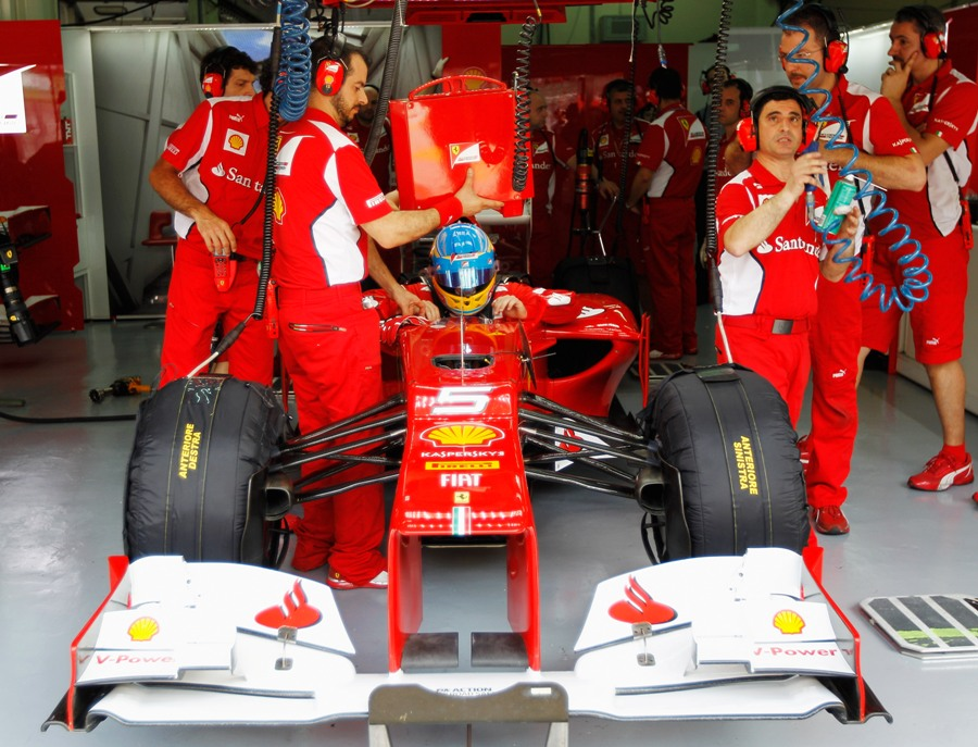 13975 - Ferrari 'putting together a puzzle' - Alonso
