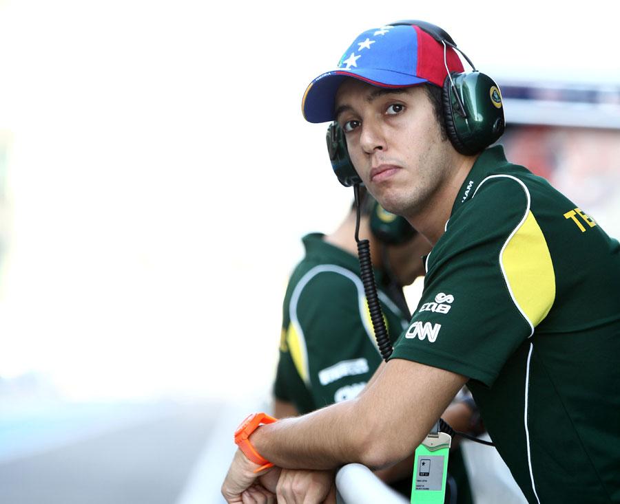 Rodolfo Gonzalez on the pit wall
