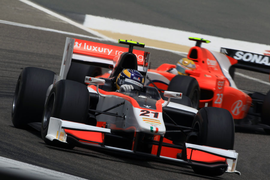 Tom Dillmann holds off Luiz Razia