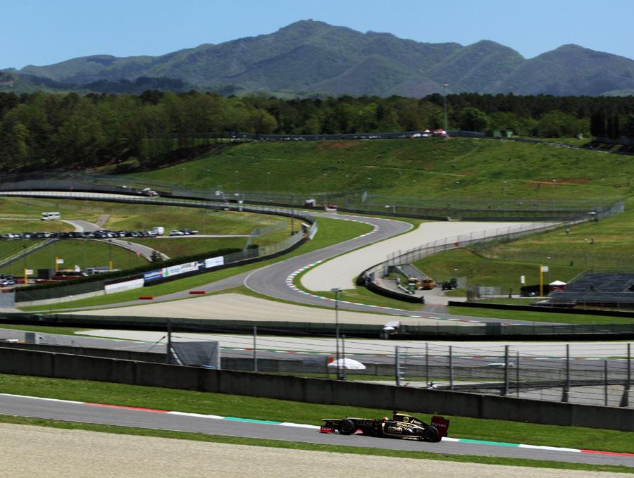 14475 - 'Testing lap times mean very little' - Grosjean