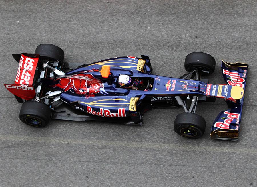 Daniel Ricciardo heads out in the Toro Rosso