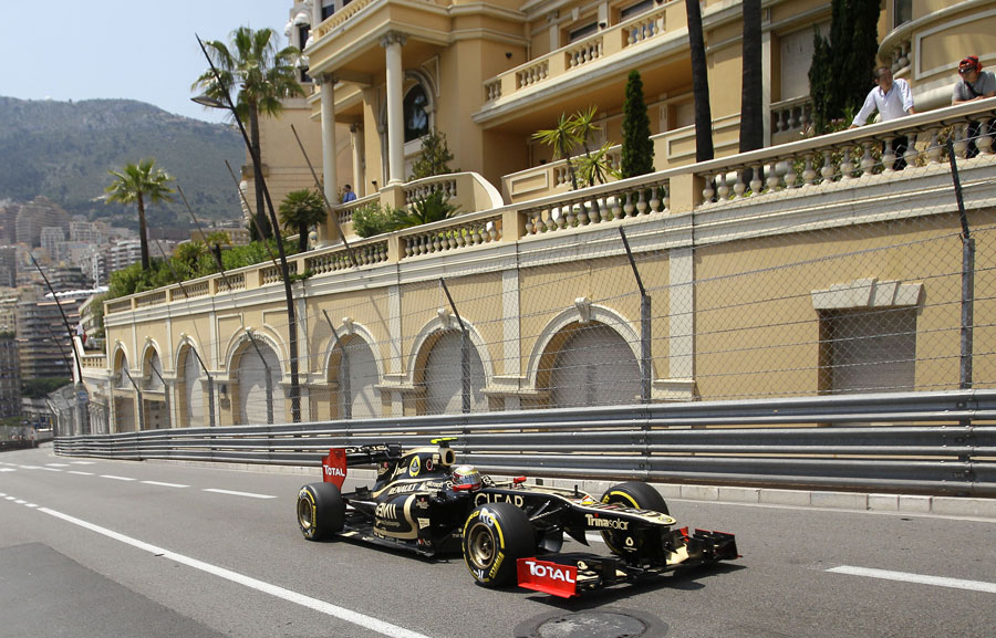 14808 - Lotus in championship mix - Boullier